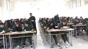 Giờ học quân sự Cao đẳng kinh tế Công nghệ Hà Nội